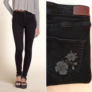 Hollister High Rise Black Skinny Jeans w/ Flower